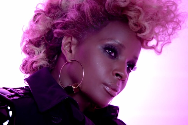 mary j Mary J. Blige Sizzles At 2012 Essence Music Festival