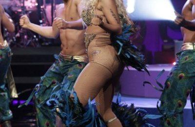 Must-See: Nicki Minaj Performs 'Pounds The Alarm' On Leno