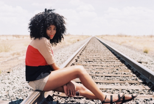 solange railroad tgj Hot Shots: Solange Glows For Railroad