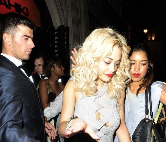 RITA ORA LEAVES MAHIKI 1 Hot Shots: Rita Ora Kicks It At Mahiki