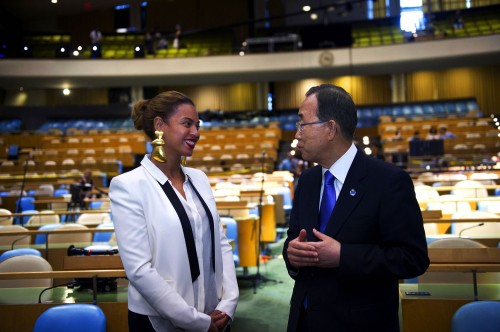 beyonce i was here e1344596884721 Hot Shot: Beyonce Visits United Nations Assembly Hall