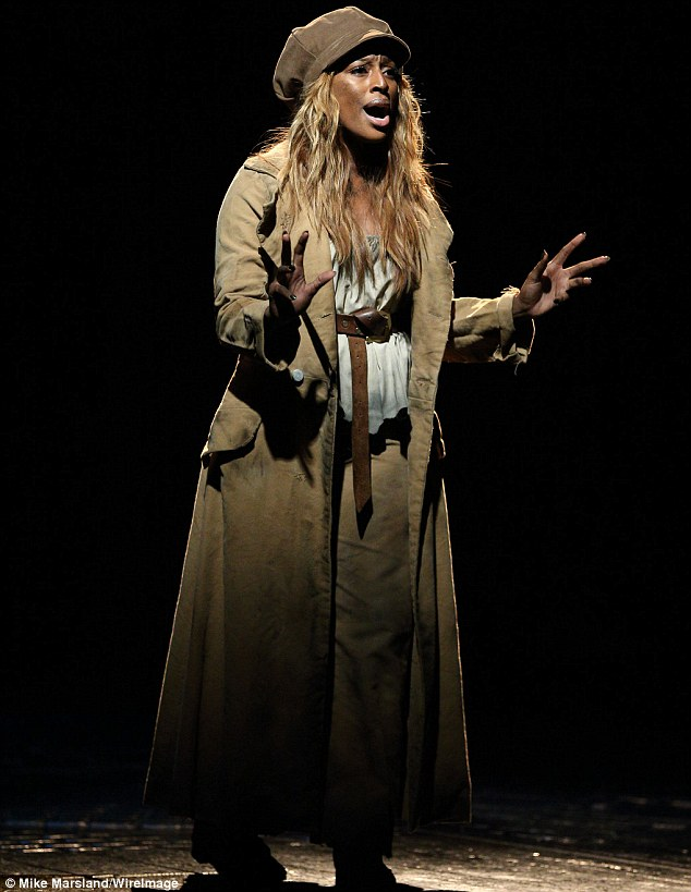 ALEXANDRA BURKE LES MISERABLES 2 Hot Shots: Alexandra Burke Beams For Les Miserables