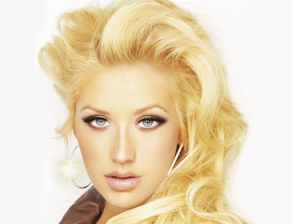 CHRISTINA AGUILERA TGJ 1 The Fourth Quarter: Who Are You Buying?
