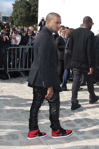 KANYE WEST CHRISTIAN DIOR PARIS FASHION WEEK Hot Shots: Kanye West Looks Sharp For Christian Dior