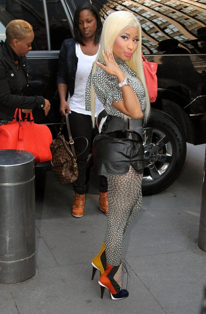 NICKI MINAJ AMERICAN DAY 2 TGJ Hot Shots: Nicki Minaj Looks Triumphant On Day 2 Of Idol Auditions