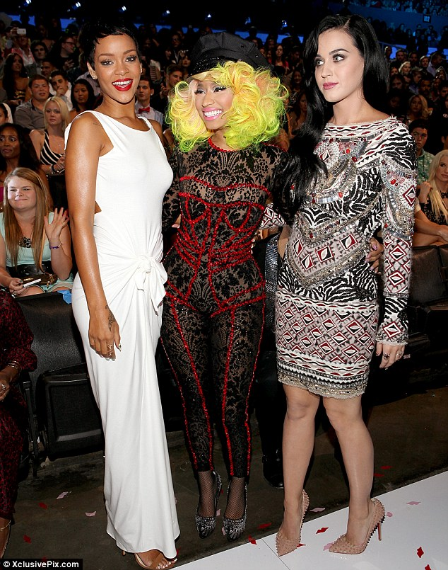 RIHANNA NICKI MINAJ KATY PERRY VMAS 2012