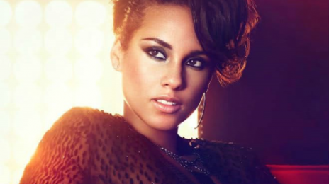 Watch: Alicia Keys Performs At 'Stand Up 2 Cancer'