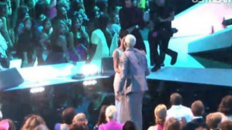 Must-See: Rihanna & Chris Brown Reunite At MTV VMA's 2012
