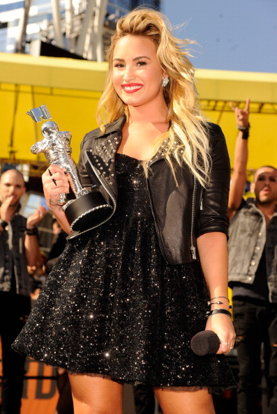 demi lovato vma 2012 2012 MTV VMAs: Red Carpet Arrivals