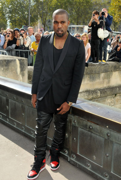 kanye west christian dior Hot Shots: Kanye West Looks Sharp For Christian Dior