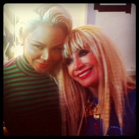 lil kim betsey johnson Hot Shots: Lil Kim Glows At Betsey Johnson Show
