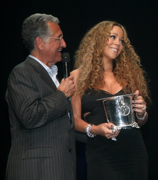 mariah bmi 2012 Triumphant: Mariah Carey Receives BMI Icon Award