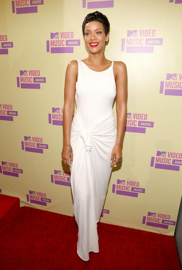 riri vma 2012 MTV VMAs: Red Carpet Arrivals