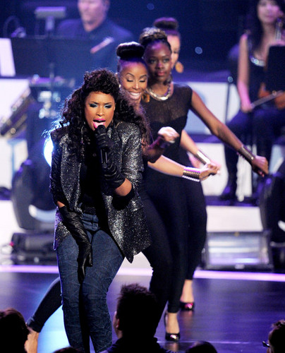 1350065175 5491 3 Hot Shots:  Stars Shine At Whitney Houston Tribute Special