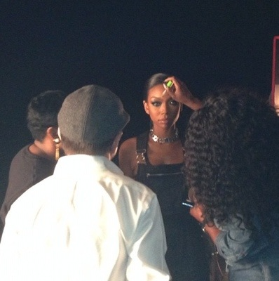 20121011 173126 Hot Shots:  Brandy Shares Snaps From Wildest Dreams Video Set