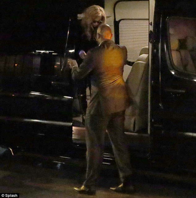 BEYONCE ARRIVES AT GWYNETH PALTROW PARTY Hot Shot: Beyonce Looks Sharp At Gwyneth Paltrow Party