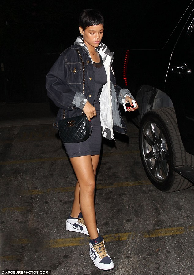 RIHANNA ARRIVES AT STUDIO TO RECORD UNAPOLOGETIC Hot Shots: Rihanna Parties At The Colony / Records Unapologetic