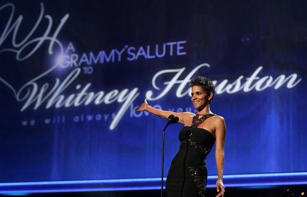 article 2216599 1576F90A000005DC 445 634x419 zpsc5ec2c35 Hot Shots:  Stars Shine At Whitney Houston Tribute Special