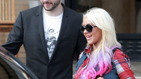 Hot Shots: Christina Aguilera Beams In Beverly Hills