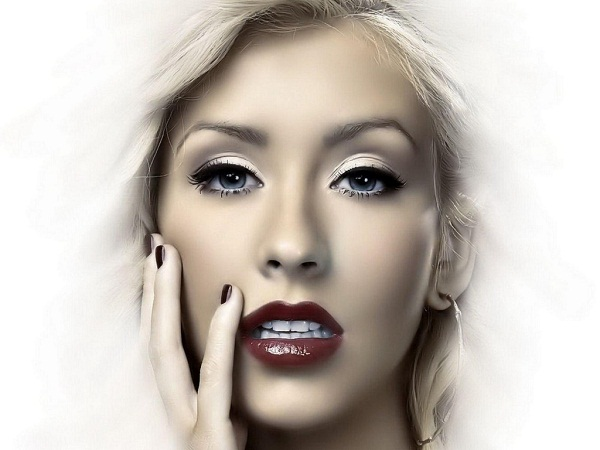 christina aguilera lips0 Christina Aguilera On American Idol Drama: I Love Nicki Minaj