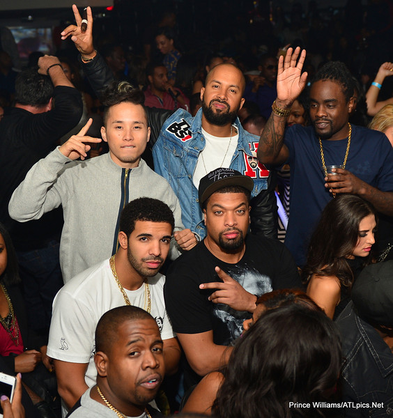 drake 56 Hot Shots: Drake Celebrates Birthday In Atlanta Club...With His Dad