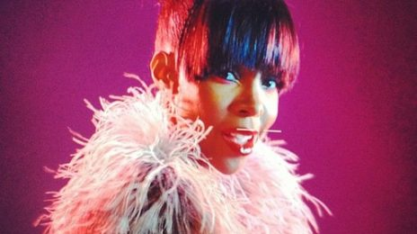 Hot Shots: Kelly Rowland Dazzles In 'Mama Told Me' & 'Representin'' Videos
