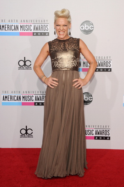 156664232 8 American Music Awards 2012: Red Carpet