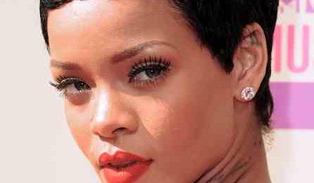 Behind The Scenes: Rihanna Readies 'Unapologetic'