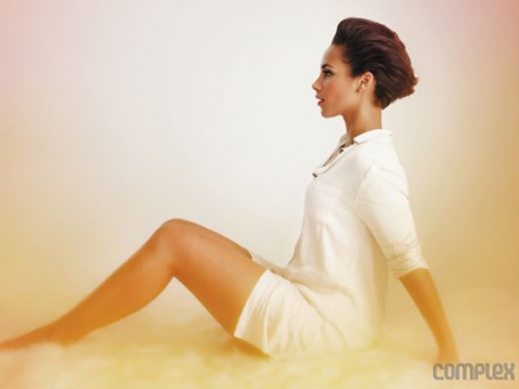 alicia keys complex 580x4351 Alicia Keys Covers Complex, Hits Back At Homewrecker Claims In Decembers Jet Magazine