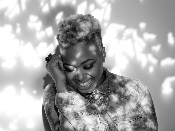 chrisette 187bw Behind the Scenes:  Chrisette Michele Shoots Charades Video