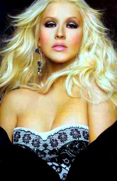 christina-aguilera-latina-march-2012-1_480_740_s_c1