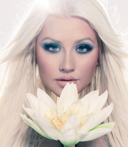 christina lotus promo thatgrapejuice 3 e1352243484153 Christina Aguilera Blooms In New Lotus Promos