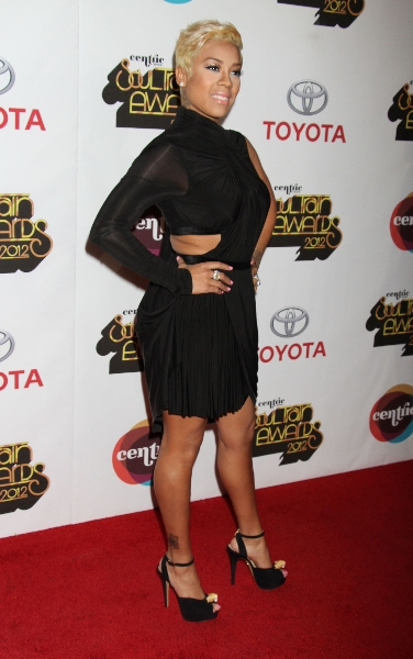 ffn ria soultrain awds 110812 50939625 Hot Shots:  The Stars Stroll The Red Carpet of the 2012 Soul Train Awards