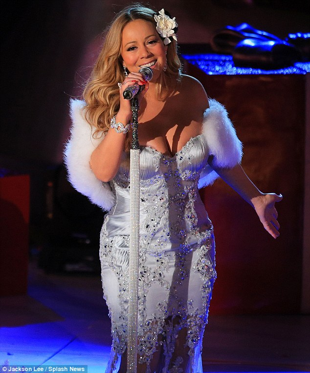 mariah carey 2012 Mariah Carey Performs At Rockefeller Center / Preps Merry Christmas II You Re Release