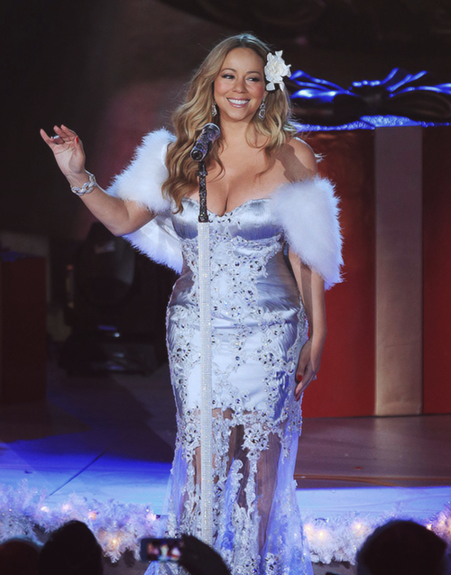 mariah carey xmas rockefeller 2012 Watch: Mariah Carey Soars With Rockeller Christmas Performance