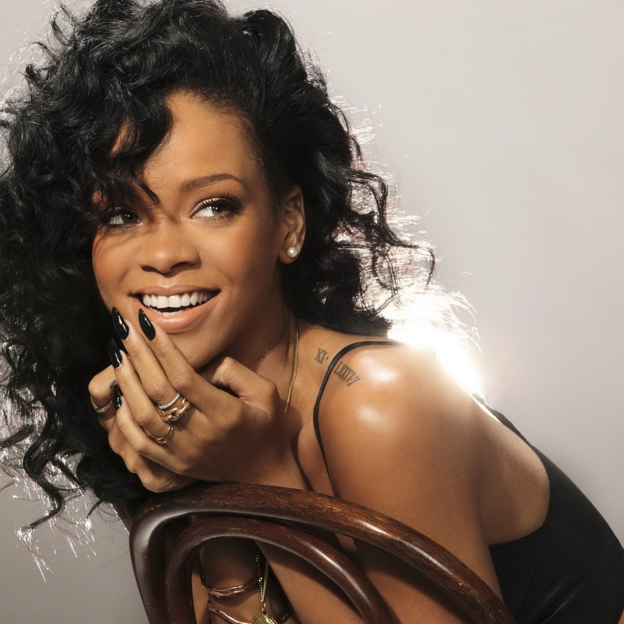 Rihanna hot SNL Photoshoot 4x UHQ 1.jpg