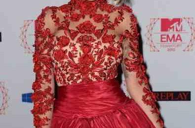 Hot Shots: Rita Ora Rocks Red At The EMAs