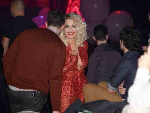 Hot Shots: Rita Ora Enjoys EMAs With Nick Jonas