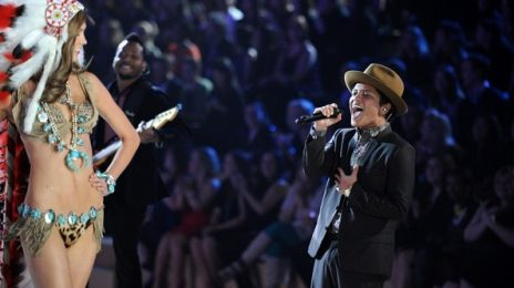 Bruno Mars Moves 'Victoria's Secret Fashion Show' With 'Heaven'