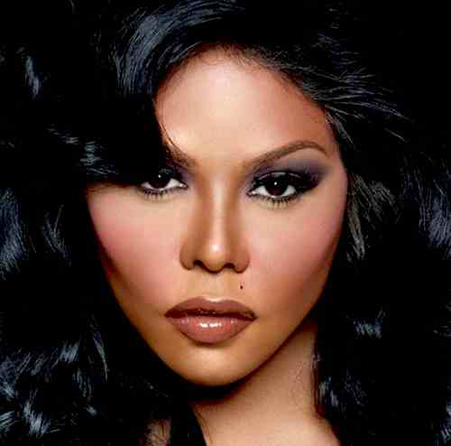 Winning: Lil Kim Lands Ciroc Deal