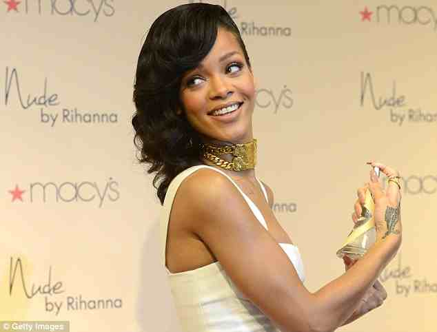 RIHANNA NUDE LAUNCH MACYS