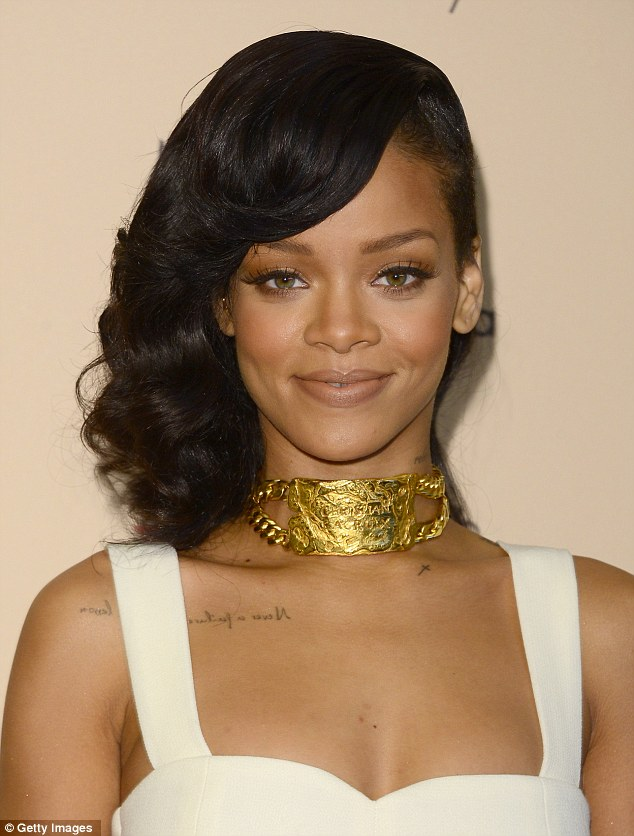 Hot Shots: Rihanna Goes Nude In Macys