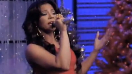 Watch: Ashanti Performs 'This Christmas' On 'Live With Kelly & Michael'