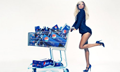beyonce pepsi 2013 e1355103694523 Major: Beyonce Signs Multi Million Dollar Deal With PEPSI / Unveils New Ad