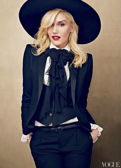 gwen stefani vogue thatgrapejuice Gwen Stefani Glimmers Gold For Vogue