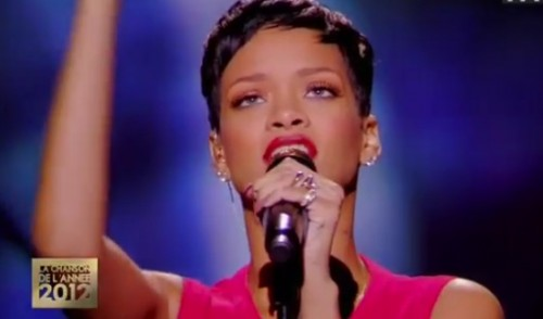 rihanna live e1356813893827 Watch: Rihanna Performs Diamonds On La Meilleure Chanson