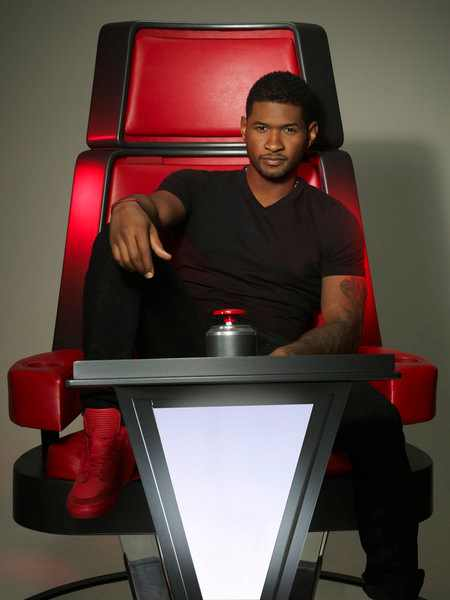 Usher The Voice coach thatgrapejuice First Look: Usher & Shakira Take Their Seats On The Voice