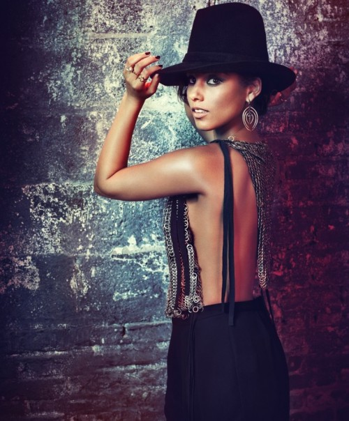 alicia keys girl on fire grammy e1359621479382 Alicia Keys & Maroon 5 To Perform At Grammy Awards 2013