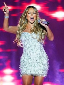 mariah carey diva 225x300 Tommy Mottola Insists Mariah Carey Should Be Grateful For Him