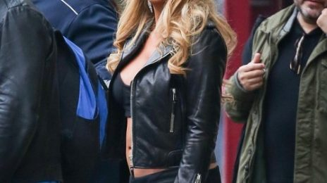 Hot Shots: Mariah Carey Bares Midriff In NYC